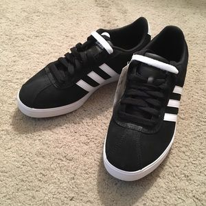 NWT Adidas Courtset sneakers black